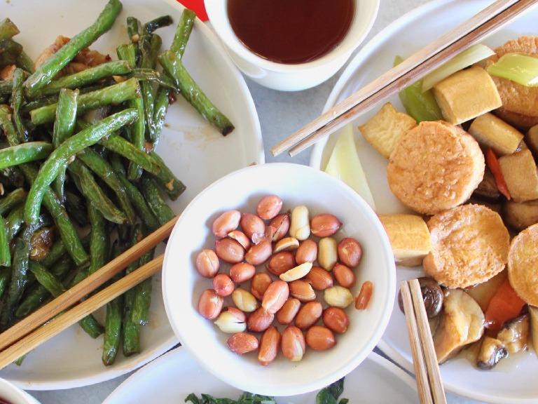 乾煸四季豆+蒜蓉炒大豆苗+鐵板雜菌玉子豆腐