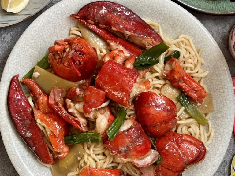 Lobster E-fu Noodle